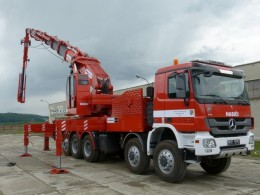 Hydraulickej ruky a hasičské autá