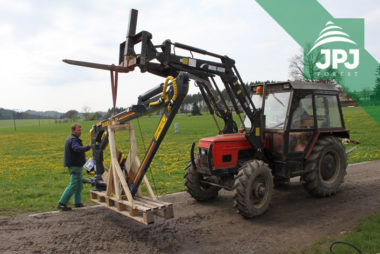 Dodanie hydraulickej ruky FARMA C 5,1 pre použitie na stroji domácej výroby